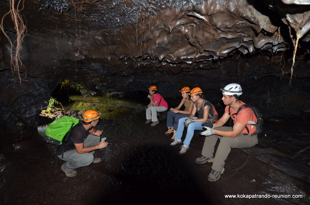 decouverte tunnel de lave reunion guide rando coulee volcan